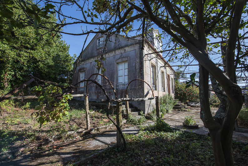 casa de piedra en bueu para restaurar