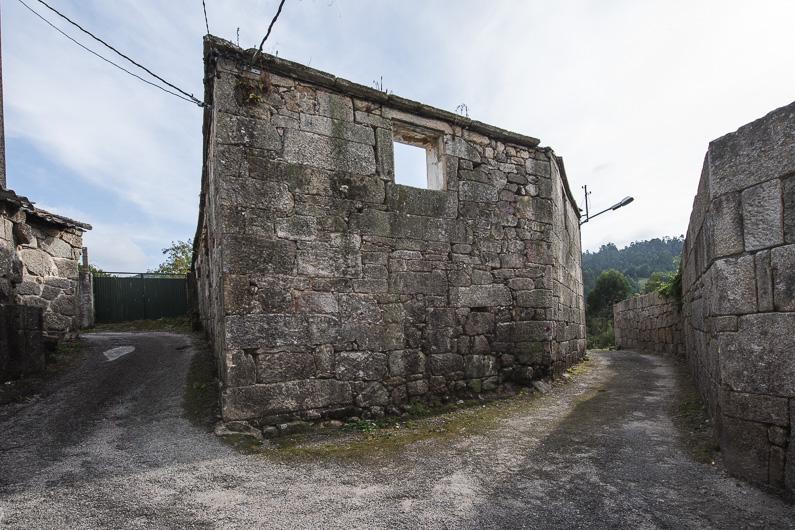 casa de piedra a restaurar en bora